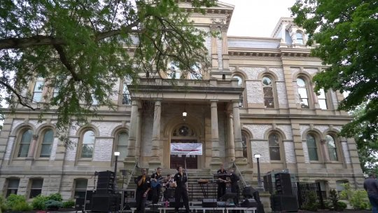 Concerts on the Court Square